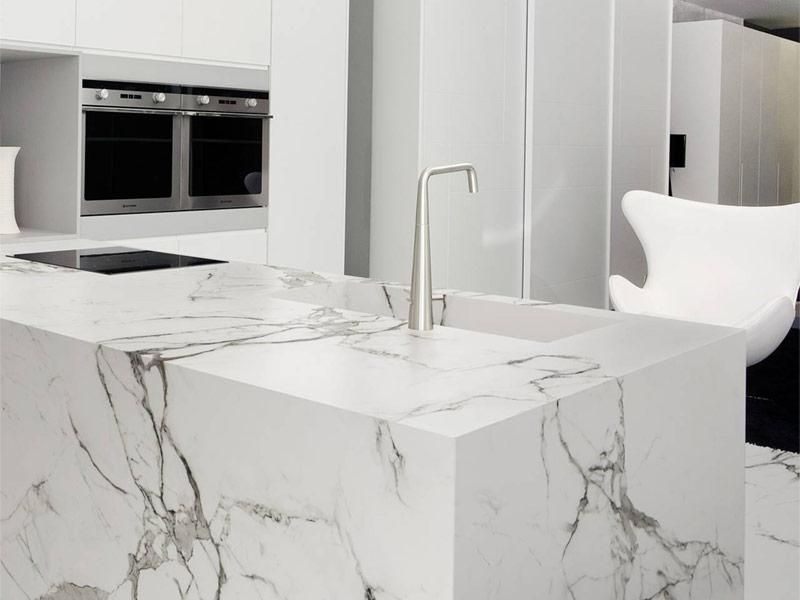 posa-top-cucina-marmo